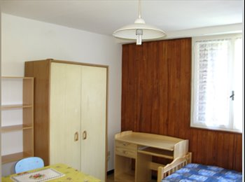 Appartager FR - Studio Meublé disponible avec wifi, dans maison a SMH - Saint-Martin-d'Hères, Grenoble - 420 € /Mois