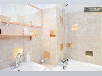 Appartager FR - Bel appartement Haussemannien à partager 40m2. Chambre privée 13m2 - 14ème Arrondissement, Paris - Ile De France - 557 € /Mois