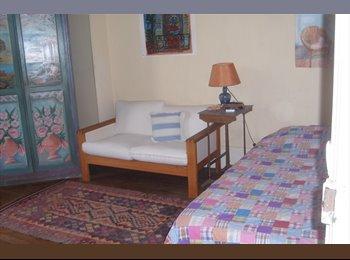 CHAMBRE 15 m2  dans appartement de trois pièces