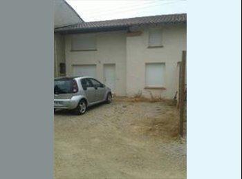 Appartager FR - Colocation Maison avec cour 30 min sud de toulouse - Empalot - Saint Agne - Sauzelong, Toulouse - 290 € /Mois