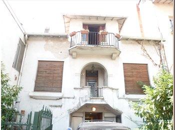 Appartager FR - Etage d'une vieille maison en colocation - Compans, Toulouse - 325 € /Mois
