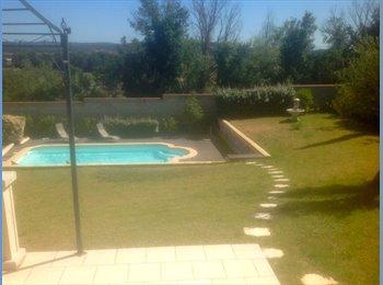 Appartager FR - Colocation dans belle villa avec piscine - Carcassonne, Carcassonne - 600 € /Mois