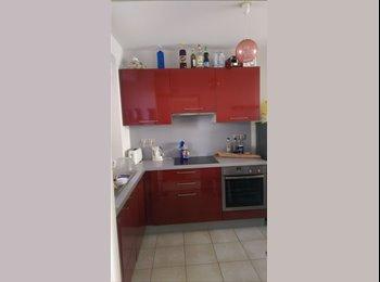 Appartager FR - Colocation dans T3 duplex près de la plage - Saint-Jean-de-Luz, Biarritz - 480 € /Mois