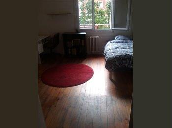Loue une belle chambre meublée propre libre de suite