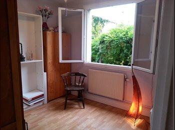 Appartager FR - propose chambre ds maison avec jardin - Tain-l'Hermitage, Valence - 250 € /Mois