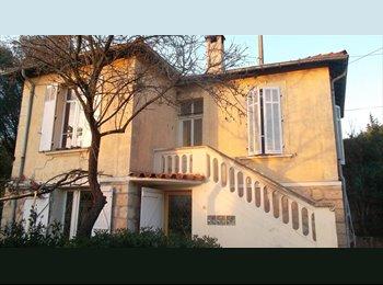 Appartager FR - Chambre a louer dans une maison en colocation - Le Cannet, Cannes - 350 € /Mois