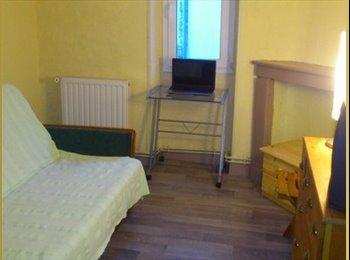 Appartager FR - Bergerac Chambre meublée dans maison - Bergerac, Périgueux - 280 € /Mois