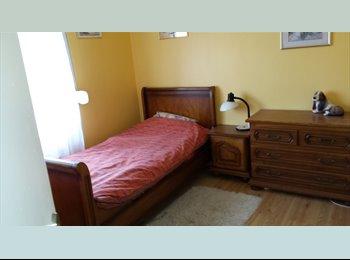 Appartager FR - Chambre chez l'habitant, Cappelle-la-Grande - 350 € /Mois