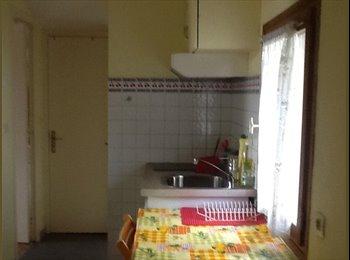 2 chambres meublées dans maison en colocation de 3 à CERGY...