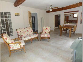 Appartager FR - COLOCATION appartement meublé 2 chambres AVIGNON centre - Avignon, Avignon - 400 € /Mois