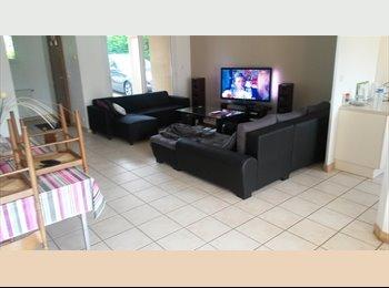 Appartager FR - recherche colocataire femme  - Buxerolles, Poitiers - 400 € /Mois