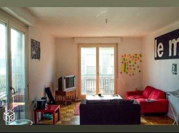 Appartager FR - Je quitte ma chambre dans une coloc' de trois jeunes ! - Lorient, Lorient - 270 € /Mois