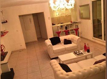 Appartager FR - CHERCHE COLOCATAIRE - Nîmes, Nîmes - 300 € /Mois