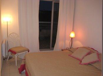 Appartager FR - colocation derrière le port , calme et lumineux dans LE quartier hyper sympa - Cœur de Ville, Nice - 900 € /Mois