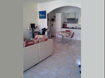 Appartager FR - Collocation maison de ville - Lunel, Montpellier - 320 € /Mois