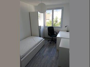 Appartager FR - cherche étudiante - Saint-Martin-d'Hères, Grenoble - 320 € /Mois