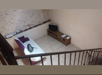 Appartager FR - Petite maison au centre de cuers - Cuers, Toulon - 300 € /Mois