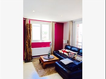 Appartager FR - Appartement 4 pièces 87 m2 - Calais, Calais - 450 € /Mois