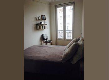Appartager FR - 1/11/2015-13/12/2015 (1mois1/2) Jolie chambre dans bel appart près de Montmartre - 18ème Arrondissement, Paris - Ile De France - 760 € /Mois