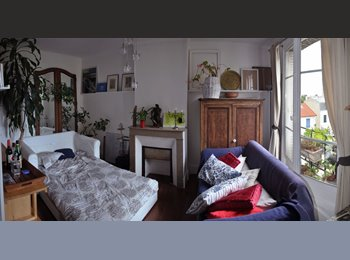 bright room in a nice & cosy appartment