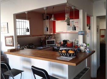 Appartager FR - Dans villa , deux chambres : 340 euros et 470 euros - 11ème Arrondissement, Marseille - 470 € /Mois