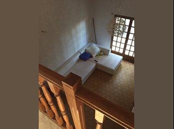 Appartager FR - En colocation étage de villa comprenant chambre , bureau ,SDE avec wc - Six-Fours-les-Plages, Toulon - 650 € /Mois