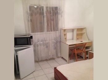 Appartager FR - Mise en location deux chambres chez habitant - Vaulx-en-Velin, Lyon - 350 € /Mois