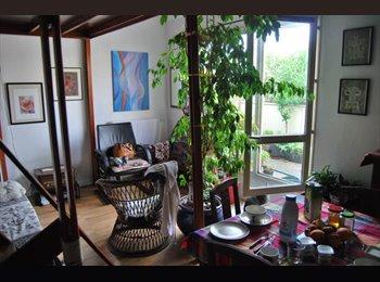 Appartager FR - Chambre en mezzanine proche des bords de Marne - Neuilly-sur-Marne, Paris - Ile De France - 370 € /Mois