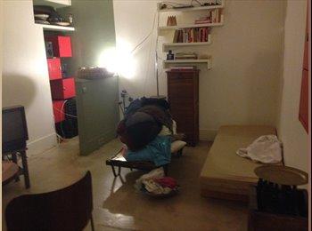 Appartager FR - Coloc à 2, Ch meublée de 20m2, 650€ttc - 17ème Arrondissement, Paris - Ile De France - 650 € /Mois