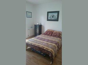 Appartager FR - Chambre chez l'habitante pour étudiante - Puilboreau, La Rochelle - 380 € /Mois