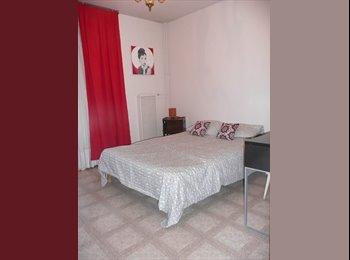 Appartager FR - Chambre avec balcon proche université sud/centre ville/port, Toulon - 310 € /Mois