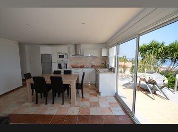 Appartager FR - Colocation dans une maison neuve et un appartement de 3 pièces avec parking à 10 m de l'appartement. - Vallauris, Cannes - 490 € /Mois