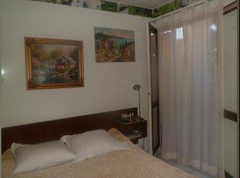 Appartager FR - Chambre à louer à Antibes 370 euros - Antibes, Cannes - 350 € /Mois