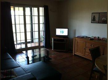 Appartager FR - Loue chambre chez l'habitant - Mougins, Cannes - 300 € /Mois