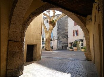 Appartager FR - Urgent : Cherche colocataire dans appartement charmant - Solliès-Toucas, Toulon - 280 € /Mois