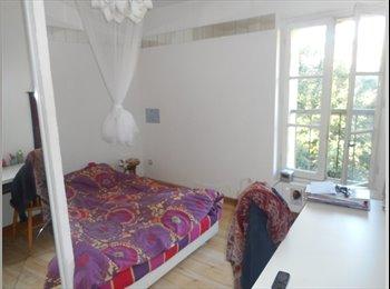 Appartager FR - Chambre dans collocation, 800 m du centre - Avignon, Avignon - 350 € /Mois
