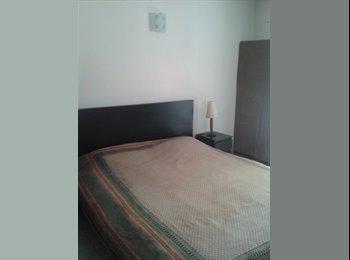 Appartager FR - grande chambre à saint cyprien quartier toulouse - Teinturiers, Toulouse - 400 € /Mois