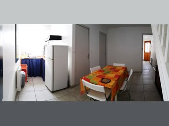 Appartager FR - CHAMBRE MEUBLEE EN COLOCATION - Angers, Angers - 325 € /Mois