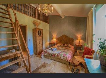 Appartager FR - Suite à louer dans luxueux mas - Avignon, Avignon - 500 € /Mois