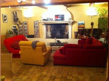 Appartager FR - Sous location meublée à partir de février 2016  - Lambesc, Aix-en-Provence - 592 € /Mois