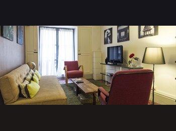 Moderne situé au centre et 1 Chambre 1 Salle À Louer in...