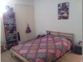 Appartager FR - Chambre en colocation dans centre ville - Aix-en-Provence, Aix-en-Provence - 428 € /Mois