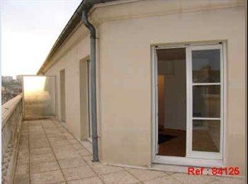 Appartager FR - STUDIO MEUBLE 23 m² ET ET EQUIPE - Terrasse 22m² - Poissy, Paris - Ile De France - 712 € /Mois