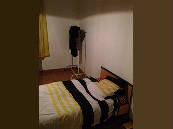 Appartager FR - chambre meublée dans une maison - Compiègne, Compiègne - 260 € /Mois