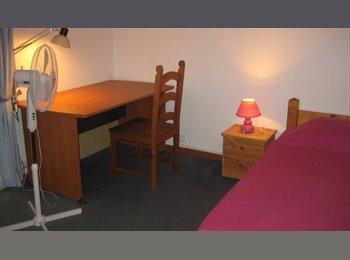 LOUE ETUDIANT(18 à 19 ans)  CHAMBRE   01/09 au  28/06/17