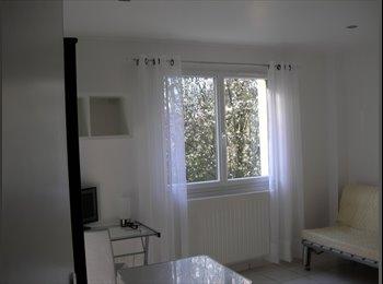 chambre/studio meublé dans villa