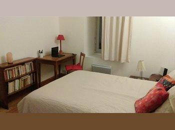 Appartager FR - Chambre  avec SDB privée - Carcassonne, Carcassonne - 350 € /Mois