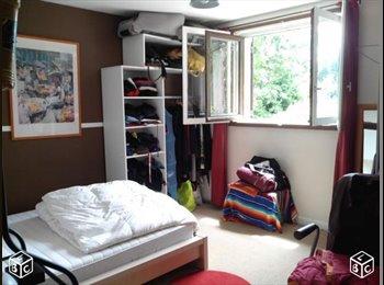 Appartager FR - Coloc à 4 dans grande maison 200 m² avec jardin - Rillieux-la-Pape, Lyon - 350 € /Mois