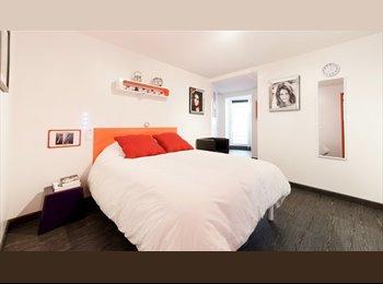 Chambres avec salle de bains privée à louer dans le Luxe...