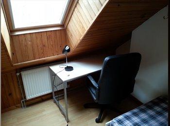 Appartager FR - Chambre meublée très proche de la gare - Amiens, Amiens - 360 € /Mois
